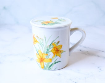 Ceramic Floral Mug | Tea / Coffee Cup with Lid | Botanical Lily Flowers