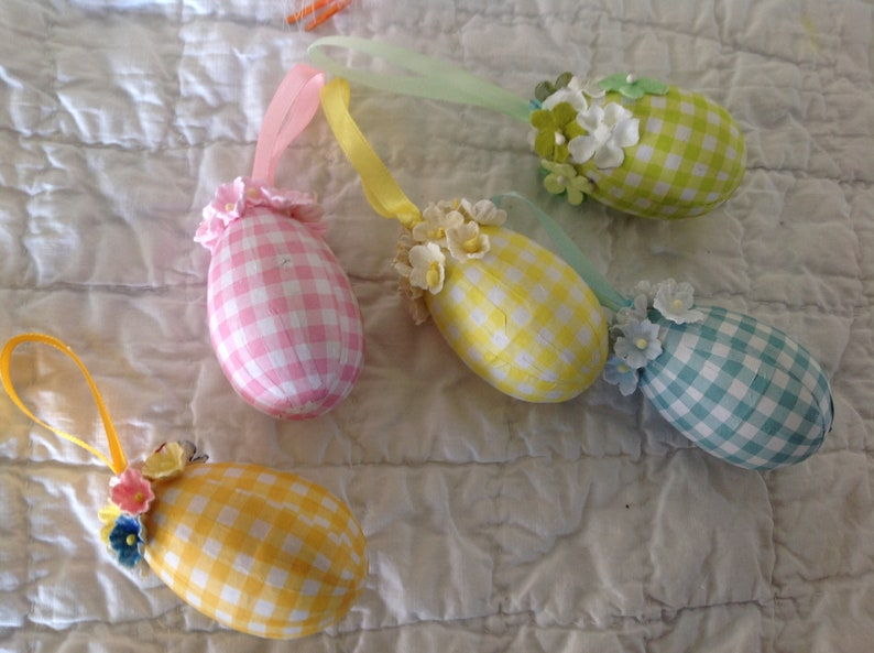 SET OF 5 Hand decorated Easter Eggs