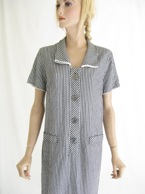 Vintage 40's Striped Seer Sucker Day Dress. Size L