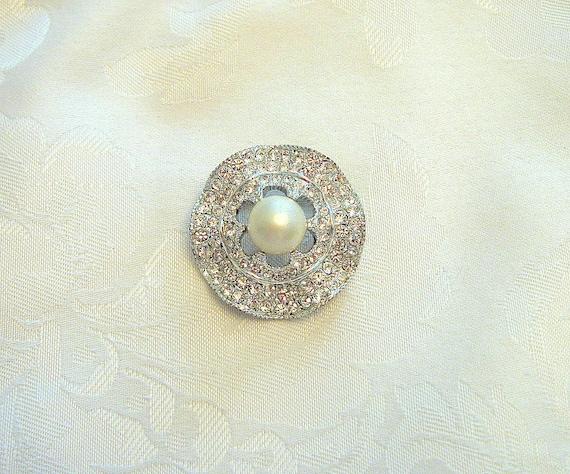 Vintage Circular Brooch Rhinestone Crystal Faux P… - image 3