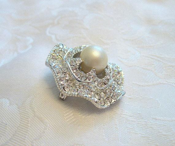 Vintage Circular Brooch Rhinestone Crystal Faux P… - image 2
