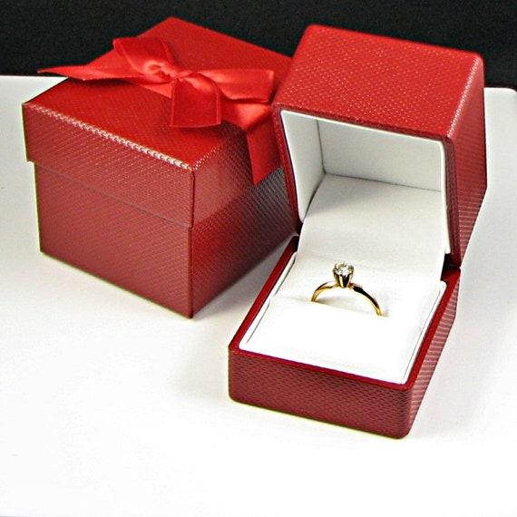 LOT OF 6 RED LEATHERETTE FINGER RING BOXES WITH GOLD TRIM