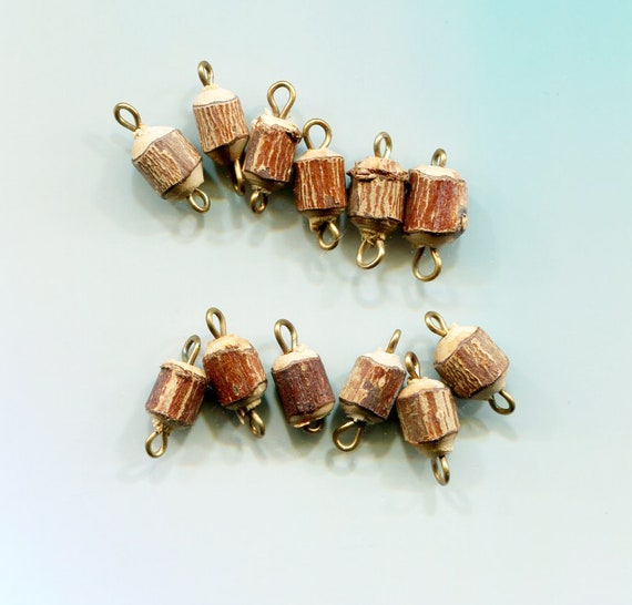 12 wood tree stump charms bead drops pendants  wooden charms lot 15mm jewelry making supplies