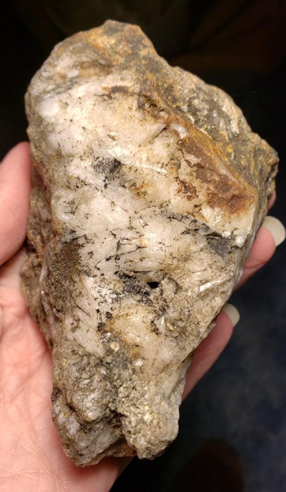 white milky Quartz crystal Rock nugget stone Montana 1lb raw snow quartz minerals healing feng shui fish tank aquarium terrarium decor