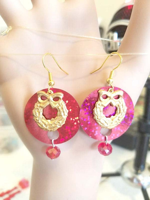 leaf ribbon christmas Wreath earrings dangles bead drops sequin shiny sparkly handmade jewelry