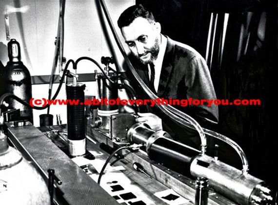 Erc laser experiment vintage science printable art print jpg clipart png download digital image graphics digital black and white photo