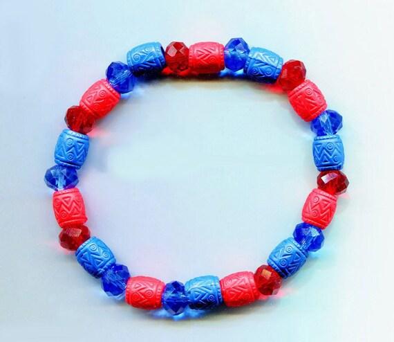 blue red beaded bracelet stretch acrylic glass bead jewelry handmade