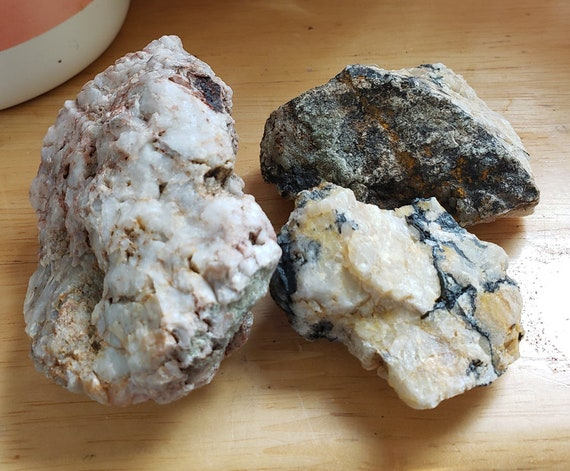 3 pc white Quartz crystal Rocks nuggets stone gemstone Montana 14 oz raw minerals healing feng shui natural decor