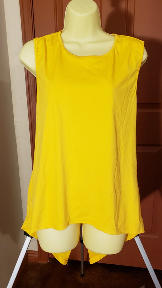 yellow sleeveless top blouse womens sz XXL cut out back summer top clubbin