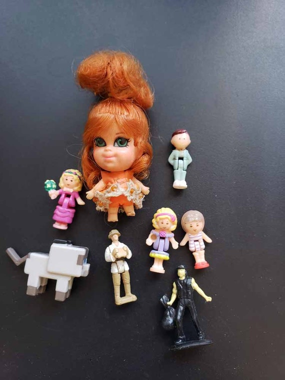 tiny miniature dolls plastic figures toys Craft supplies