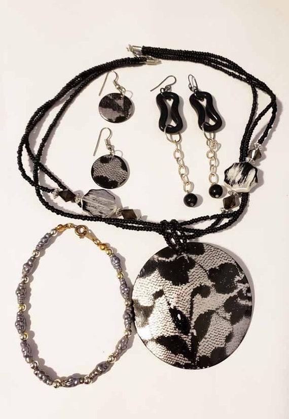 black jewelry lot earrings necklace bracelet 4 piece plastic glass shell handmade bead jewelry