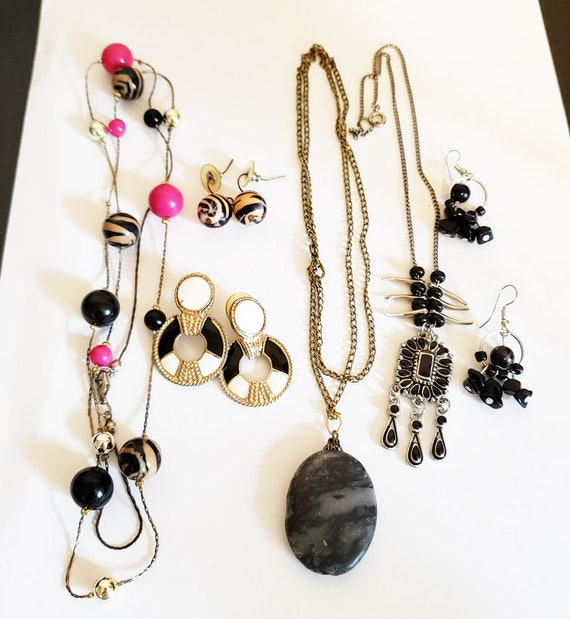 vintage and handmade jewelry lot necklaces earrings black stone metal 6 piece