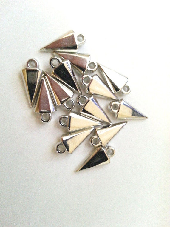 14 spike charms arrow point drops silver metallic plastic charms goth pendant