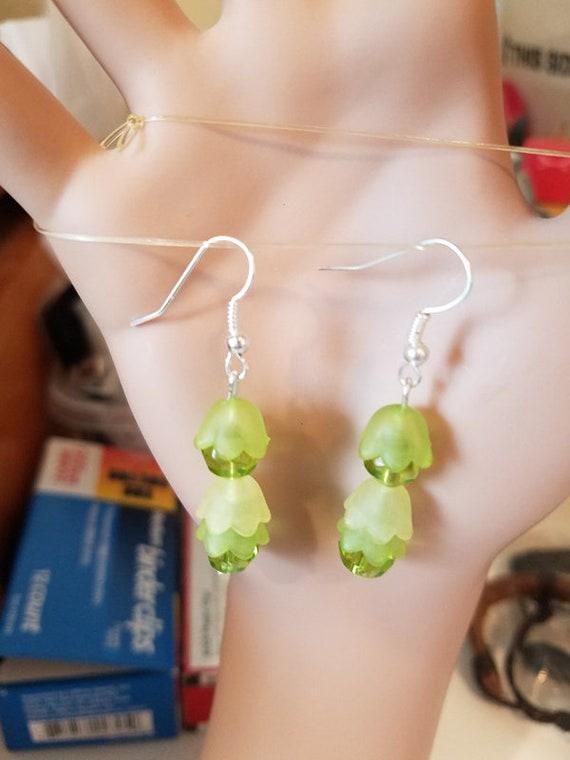 green bead drop flower dangles earrings acrylic glass handmade jewelry