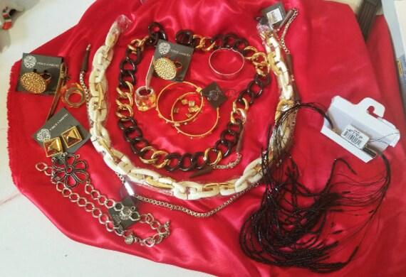 15 pc,  broken jewelry lot, detash, supplies, findings, repurpose, necklace, bracelet, chains, rings, mixed lot