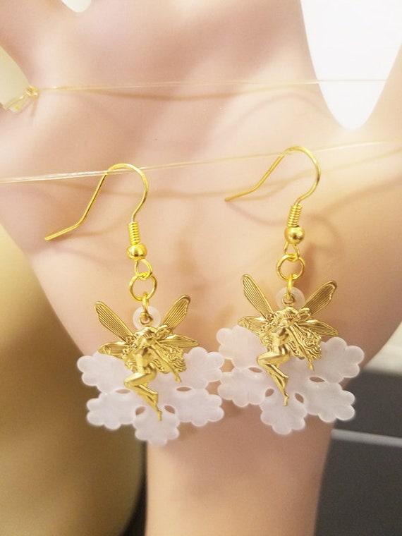 fairy white snowflake earrings gold dangle drop metal plastic faerie handmade fantasy fairytale jewelry