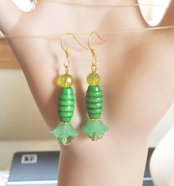 green flower bead drop earrings handmade wood plastic glass bead jewelry