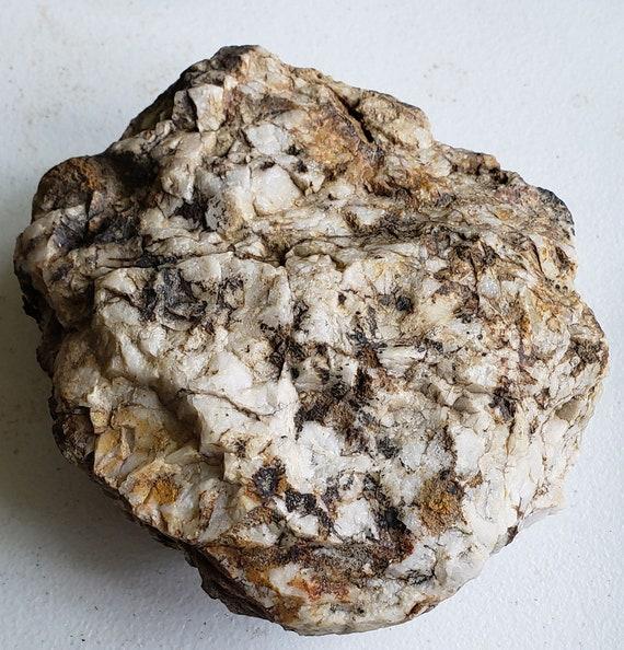 big white milky Quartz crystal Rock stone gemstone Montana 3lbs 8 oz raw snow quartz minerals healing terrarium fish tank altar decor