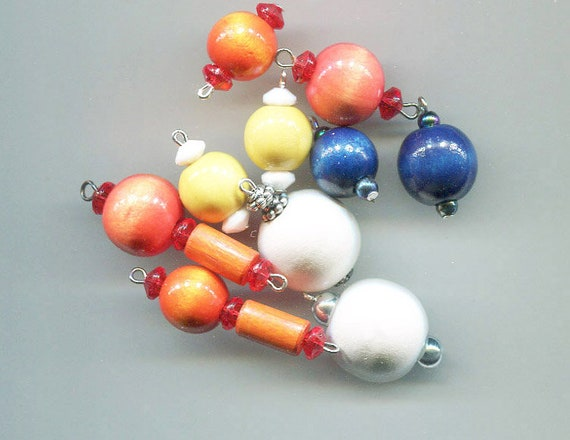 10 wood bead drops pendants mixed wooden charms lot gumball beads