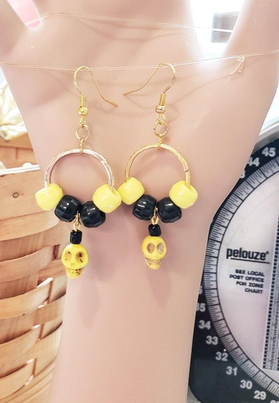 sugar skull earrings day of the dead hoop earrings yellow and black dangles goth skull bead earrings handmade jewelry