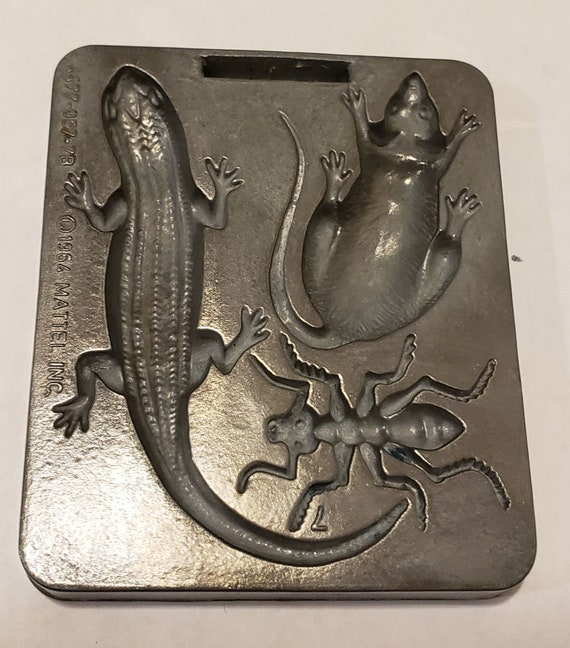vintage metal mouse lizard mold push mold creepy crawler Mattel 1964 polymer clay play doh vintage toy animal bug Mould Crafts Jewelry