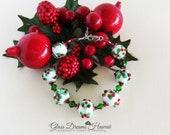 Christmas Holly Bracelet, Festive Glass Bead Bracelet,  Holiday Jewelry, Handmade Lampwork Glass Beads,  Winter Bracelet, Sterling Silver