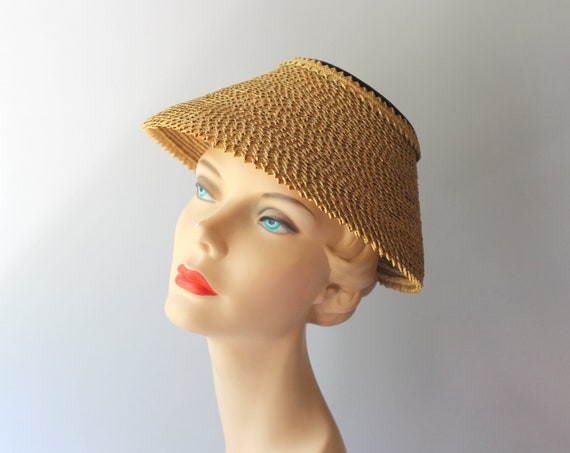 1950s Hat / 50s Vintage Straw Lampshade Summer Hat - image 4