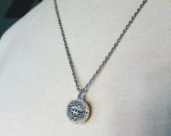 Silver Flower Ball Locket Essential Oil Aromatherapy Diffuser Necklace