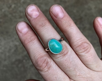 8.5 - Simple Turquoise Ring - Silversmith - Metalsmith Jewelry