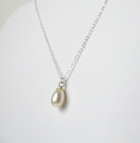 Freshwater pearl and sterling silver 18 inch cable chain necklace