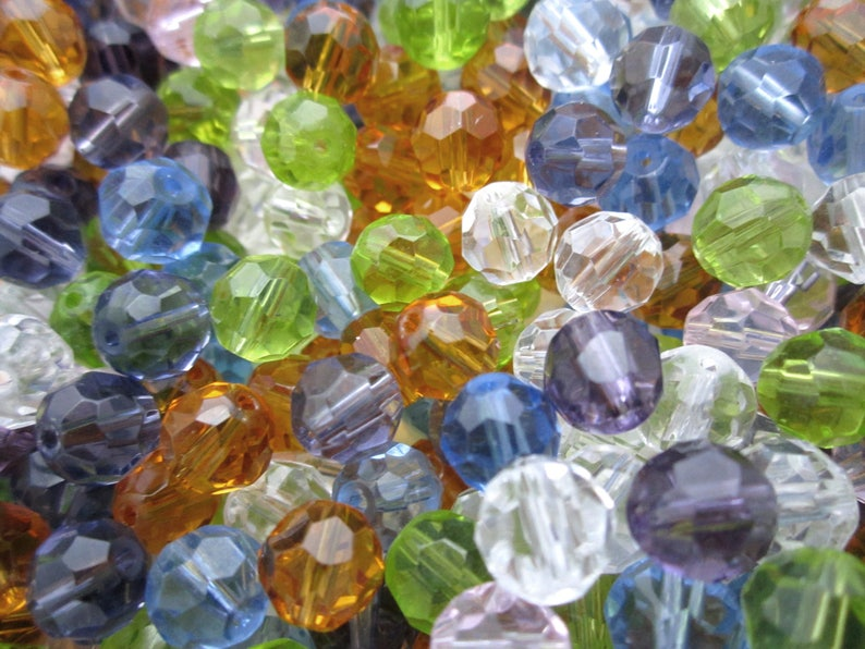 over 575 pieces glass 8mm round faceted beads in assorted colors destash bulk lot BL309