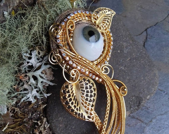 Gothic Steampunk Golden Blue Eye Pin Pendant Brooch