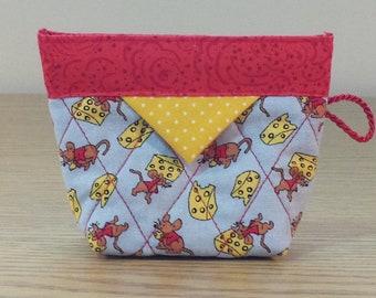 Quilted Snap Bag (SB228) Mouse and Cheese