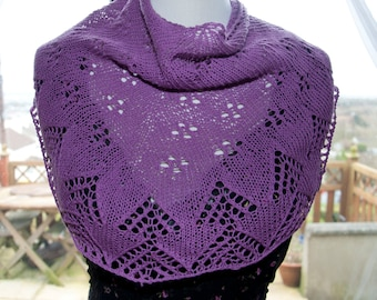 Handknitted Shawl in Mauve