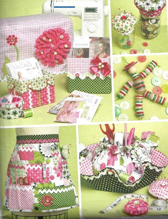 2010 Crafts Pattern McCall\'s Apron Pincushion Sewing | Etsy