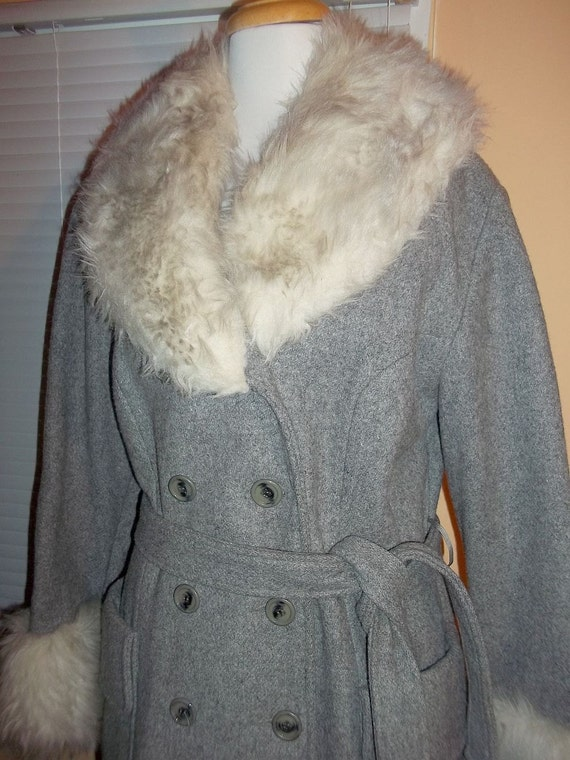 Grey Wool with Faux Fur Trim Vintage 70s Double Br