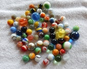 Mixed lot of 72 Vintage Toy Marbles, swirls, clears, agate, steely, Cat 39 s eye, shooter, vintage, stripe, ox blood