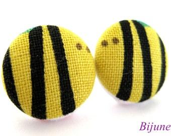 Animal Bee earrings - Animal earrings - Yellow bee earrings - Bee stud earrings - Bee studs - Bee posts - Bee post earrings sf926