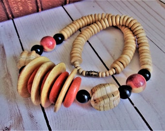 Tiki Beach Style Wood and Coral Bead Statement Necklace - Vintage Tribal Boho Ethnic Jewelry