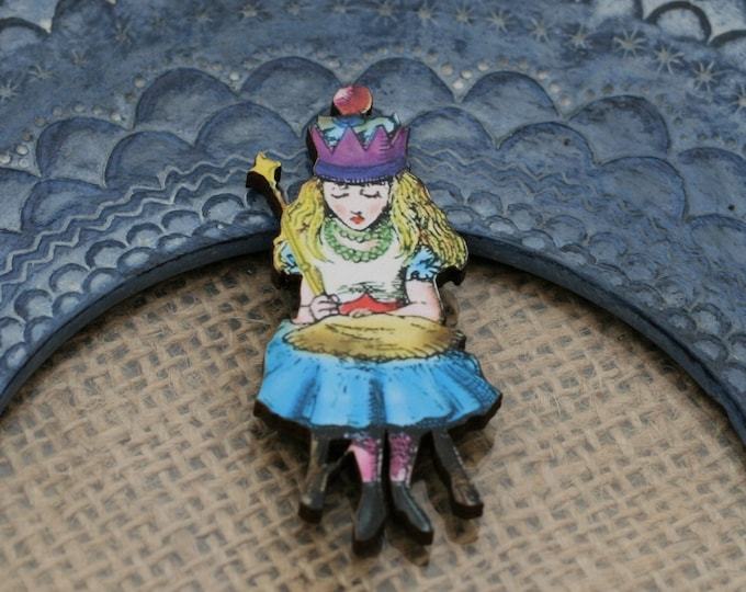 Queen Alice Brooch, Alice wearing a Crown Pin, Alice in Wonderland Brooch, Tenniel Illustration