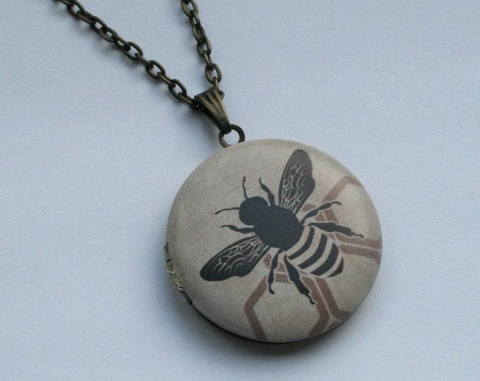 Bee Locket Necklace, honeybee Necklace, Woodland