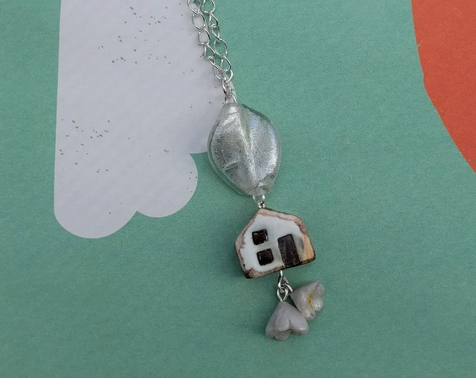 White House Necklace