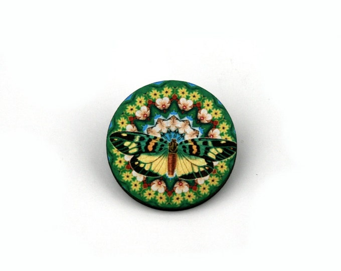 Round Butterfly Badge, Green Butterfly Brooch, Wood Accessory, Illustration Jewelry, Animal Brooch, Woodland, Wood Jewelry
