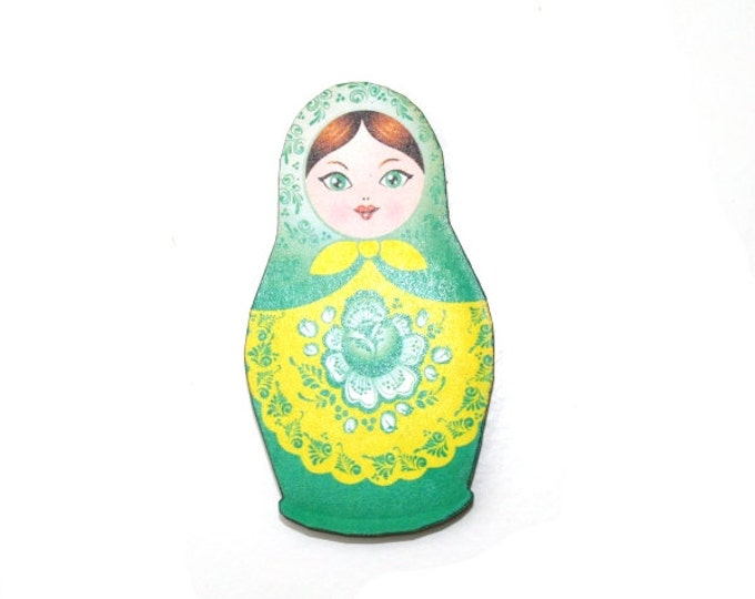 Russian Doll Brooch, Green Illustration, Wood Jewelry, Matryoshka Brooch