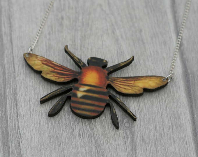 Bee Necklace, Wooden Pendant, Bee Illustration, Woodland, Animal Necklace, Wood Jewelry