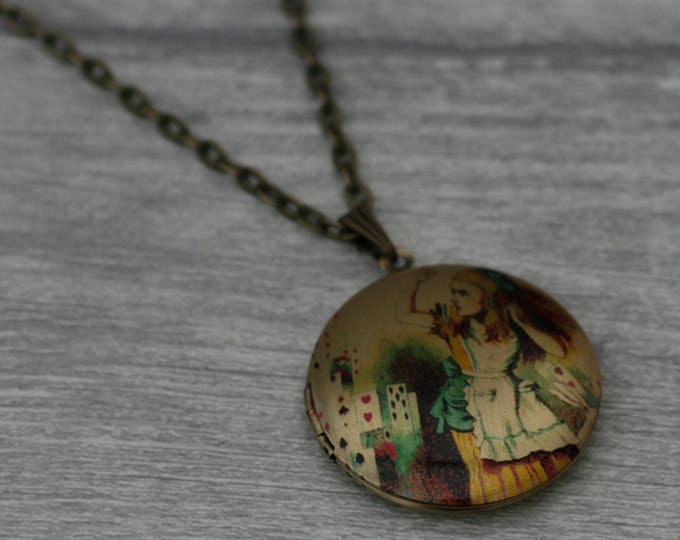Alice in Wonderland Locket, Alice In Wonderland Necklace, Tenniel Illustration, Alice Jewelry