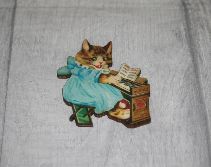 Kitten Brooch, Wooden Cat Badge, Animal Brooch, Wood Jewelry, Kitten Pin