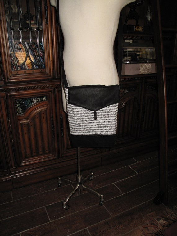 Music Notes print unisex shoulder bag or crossbody bag size 14x11x3