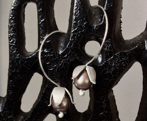 Sterling Silver Lily-of-the Valley Earrings with Champagne Pearls