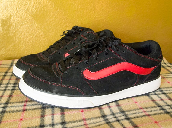 OFF THE WALL True Vintage Y2K Vans Tony Trujillo Mens 11 Tan Suede Black Red Swirl 1990s Skater Shoes Y2K Thrasher Punk Supreme